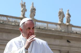 """Ferenc pápa: Felül kellene vizsgálni az Egyház """"igazságos háborúról"""" szóló tanítását"""