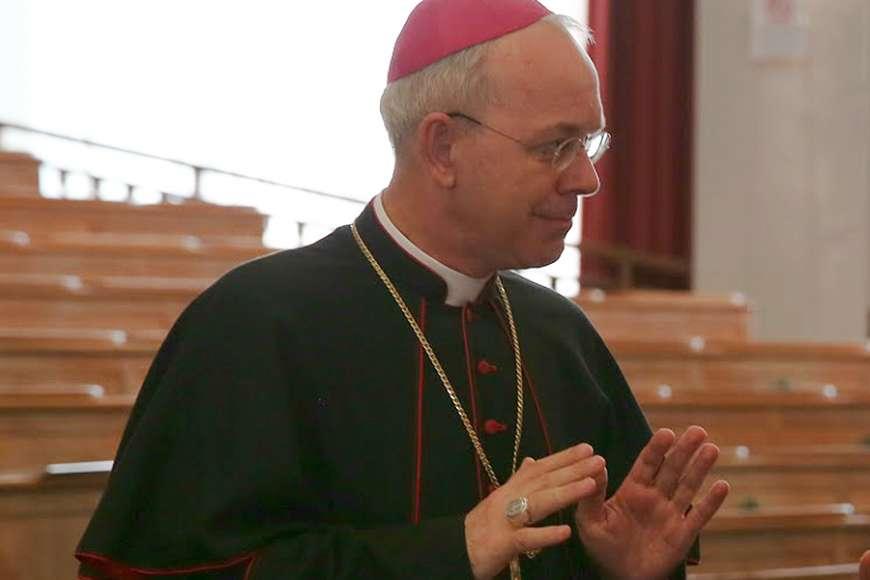 bishop_athanasius_schneider_credit_bohumil_petrik_1_cna.jpg
