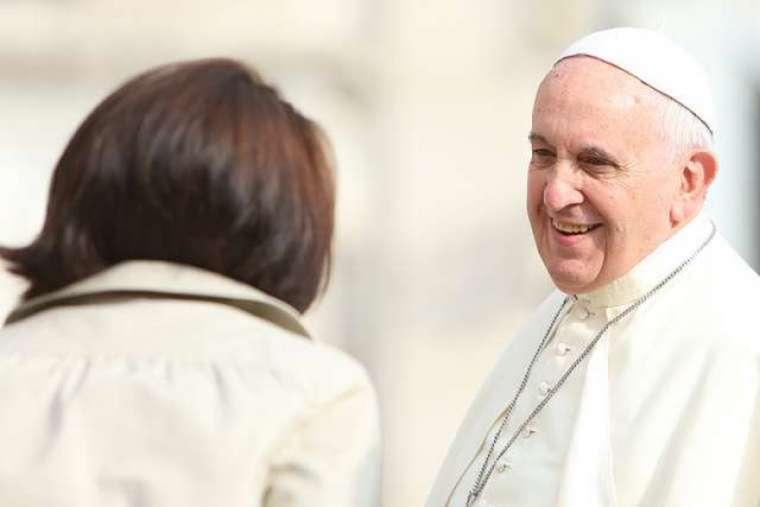 pope_francis_woman_credit_bohumil_petrik_cna.jpg