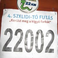 Szelidi-tó futás: egy kör futva, egy kör menve