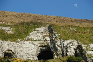 Cormac király barlangjai