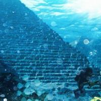 Piramisok a tenger mélyén