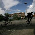 A punk nem halott, viszont biciklizik