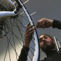 Csak legenda a 10 perc alatt készülő biciklis hólánc