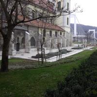 Kolostorkert a belvárosban