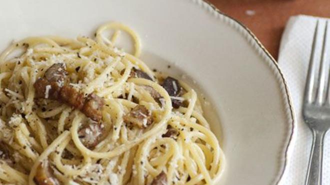 Spaghetti alla Amatriciana - vörösen és fehéren