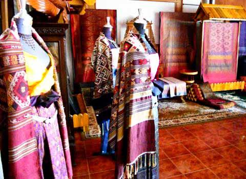 chin-thai-silk-showroom_khon-khaen.jpg