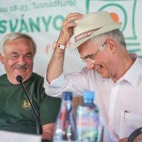27 éve a magyarokat mentették, a kormány szerint most már tehertételek a nemzet számára