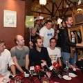 Bayer Zsolt óvodában izzasztotta a teljes magyar sajtót