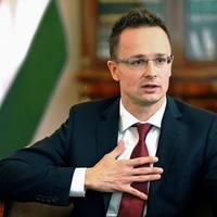 Szijjártó Péter szerint a magyar romák munkanélkülisége miatt nem fogadhatjuk be a menekülteket