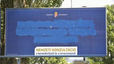 Egy fatális félreértésről: a plakátrongálás tilos és általában büntetendő is maradt