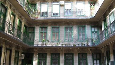 Öt év alatt majdnem megduplázódtak a lakbérek, pedig lenne kiút a katasztrofális lakáshelyzetből