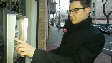 Heroikus küzdelem az aláírásokért – Angyalföldön kopogtattunk a Momentum Mozgalommal