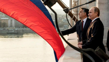 Orbán Putyinnak hízelgett a Kommunizmus Áldozatainak Emléknapján