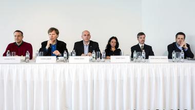 Vízió és helyi beágyazottság - ez az ellenzéki pártok receptje Orbán ellen