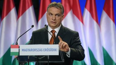 Orbánra a saját militáns politikája jelenti a legnagyobb veszélyt