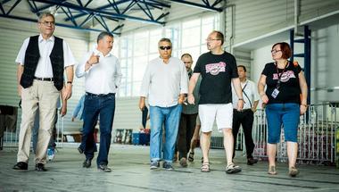 Bármiféle stratégia nélkül szórja a kormány a határon túli magyar támogatásokat