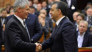 Ha a Fidesznek nem tetszenek a bírósági ítéletek, forduljanak Polt Péterhez