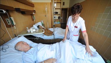 Bűn világszínvonalú egészségügyről beszélni, amíg a falvakban belehalnak az emberek ugyanabba a betegségbe, amit Budapesten kezelni tudnak