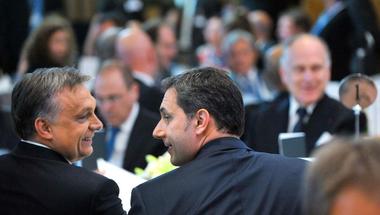 Mindenfajta kontrollt kikerülve költené a pénzünket Orbán