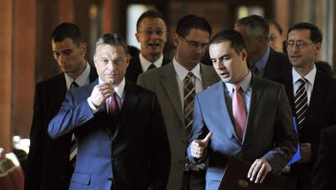 Kösz Orbán, hogy Vona Gábort kell megvédenem miattatok!