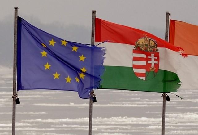 magyar_es_unios_zaszlo.jpg