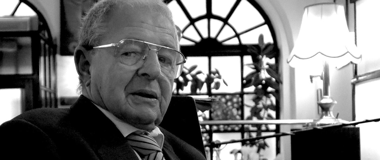 Aubel Ervin, 1978 óta volt a Kispipa üzletvezetõ, utóbbi öt éve tulajdonos.