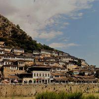 Ezer ablak Albániára: Berat