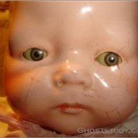 A megszállt baba elkelt eBayen!