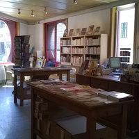 Könyvesek: Latitudes