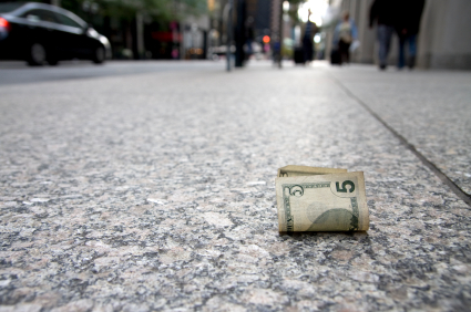 lost-cash-on-the-street.jpg