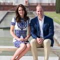 Miért nem fogják egymás kezét a brit királyi család tagjai?