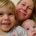 Síró babájuk miatt lakoltatnának ki egy magyar családot Londonban