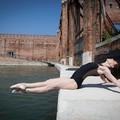 Gyönyörű táncosnők a pusztuló Velencéből