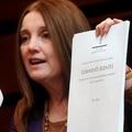 Tétényi Éva gyalog vitte petícióját Esztergomból
