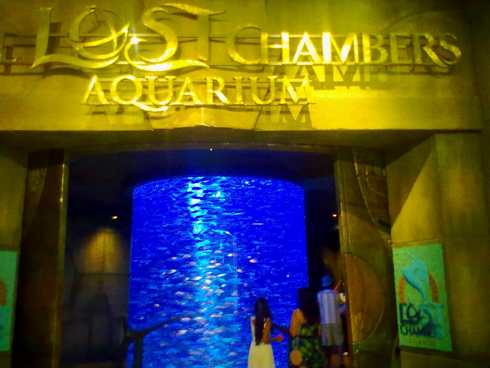 Az Atlantis Hotel akváriumának bejárata