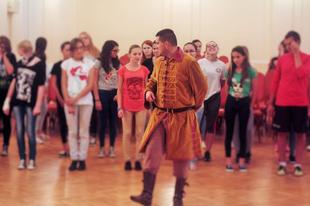 Reneszánsz táncokat tanultunk