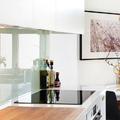 Ti kérdeztétek - Csempe nélküli festett fal a konyhába?