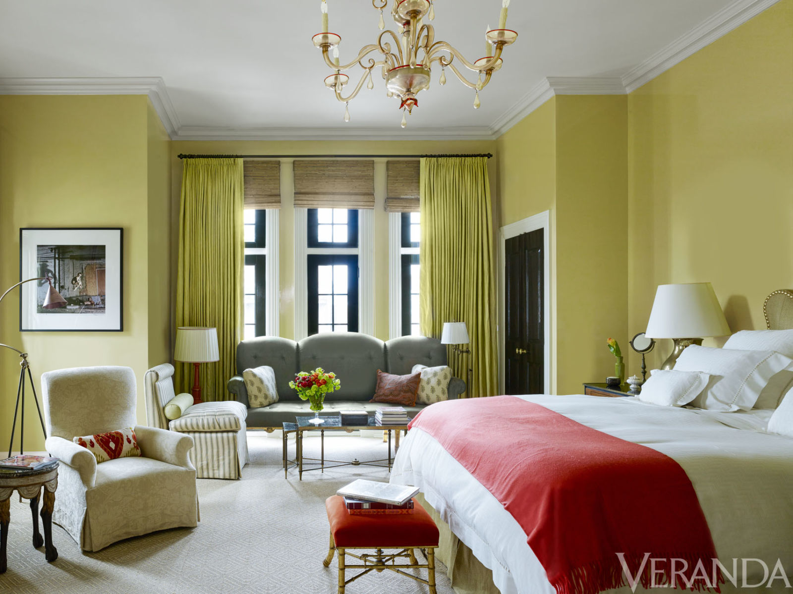 Klasszikus otthon modern felhangokkal konyhasziget - Good paint colors for small living rooms ...