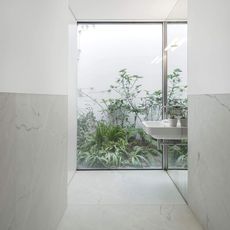 konyhasziget_minimal_haz_portugaliabol_red-house-in-setubal-portugal-by-extrastudio_10.jpg