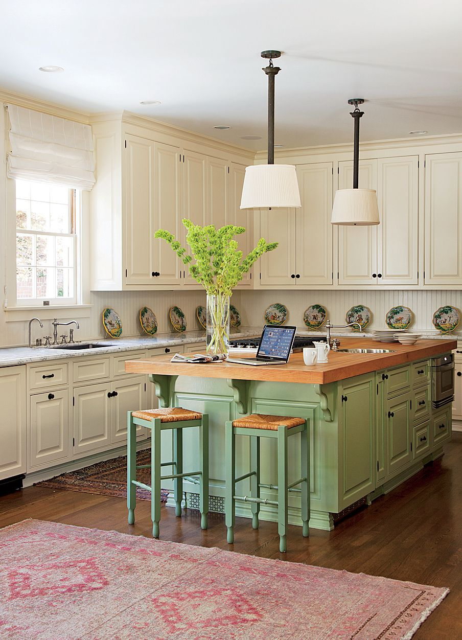 traditional-kitchen-timothy-corrigan-inc-los-angeles-california-201204_1000.jpg