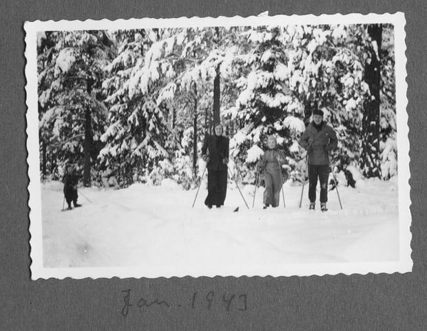 Családi síelés 1943-ban