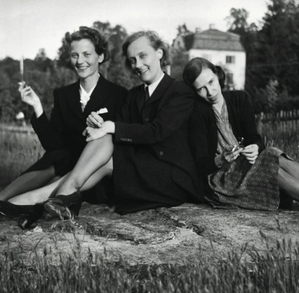 Kolléganőivel 1945-ben