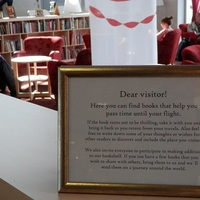 Most már könyvtárban is böngészhetnek a tallinni reptéren várakozók