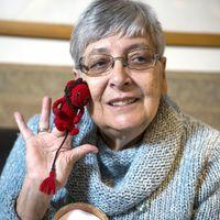 Marék Veronika 80 – Tollából ösztönös szeretettel bújnak elő a történetek