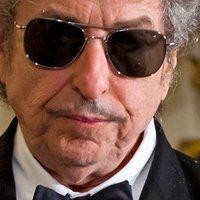 Bob Dylan végre átvette az irodalmi Nobelt Stockholmban