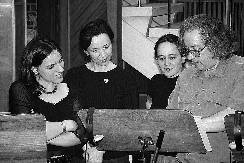 Az ezredfordulón Palya Bea, Sebestyén Márta, Bognár Szilvia, Sebő Ferenc (fotó: Perger László)