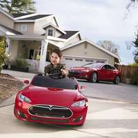 Ezért nem költ reklámokra a világ egyik legfelkapottabb e-autógyára