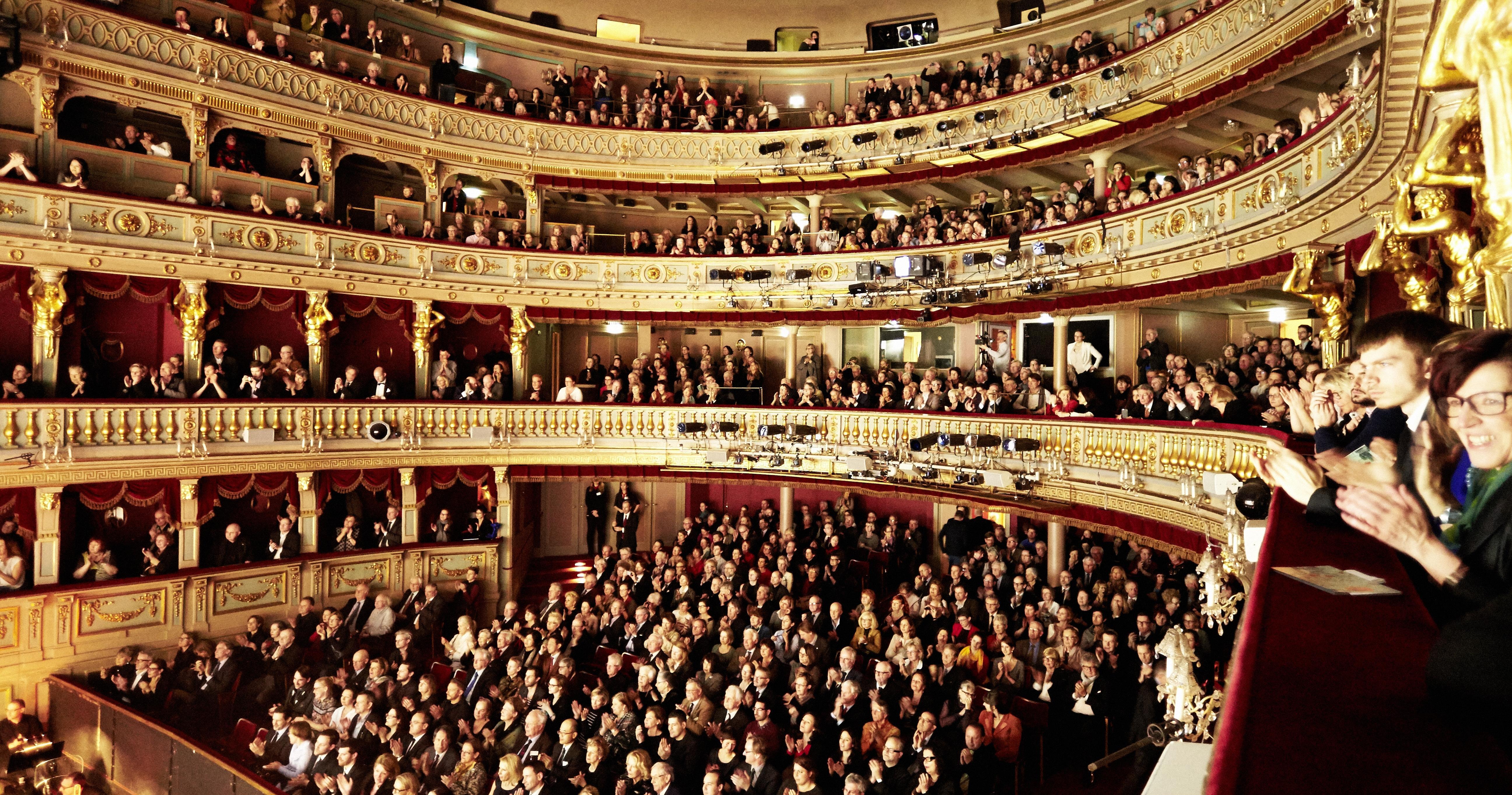 theater-an-der-wien-innen-oper-buehne-19to1.jpeg