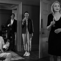 A VENDÉGEK /The Party) - metszően angol filmkomédia, 2017